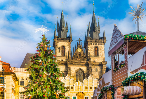 Foto op Plexiglas Praag Christmas tree and fairy tale Church of our Lady Tyn in magical Prague, Czech Republic