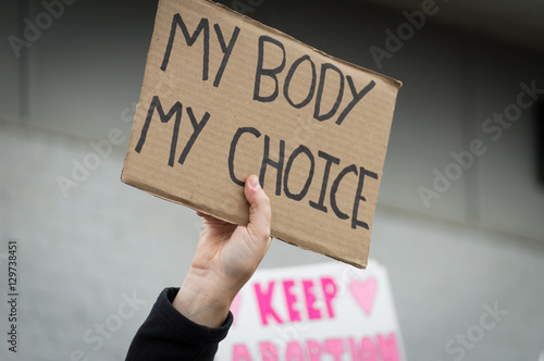 Photo Pro-choice Planned Parenthood demonstration holding a sign