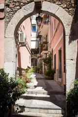 Panel Szklany Podświetlane Uliczki Alley in Taormina, Sicily