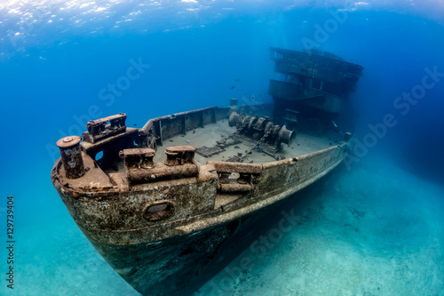 Tuinposter Schipbreuk Underwater Wreck of the USS Kittiwake