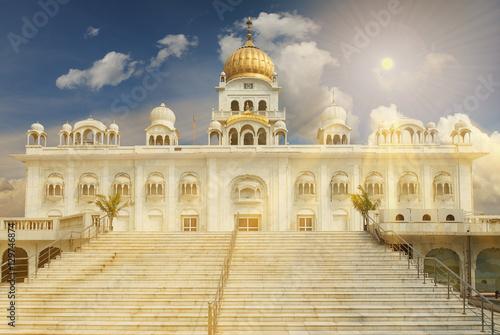 Stickers pour porte Delhi Gurudwara Bangla Sahib is one of the most prominent Sikh gurdwar