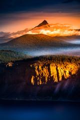 Panel Szklany Krajobraz Mt Thielsen at Sunrise Oregon Landscape Vertical Composition