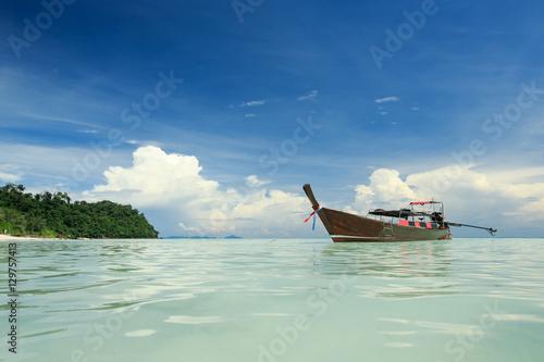 Photo Stands Shipwreck Long boat , Andaman Sea, Thailand