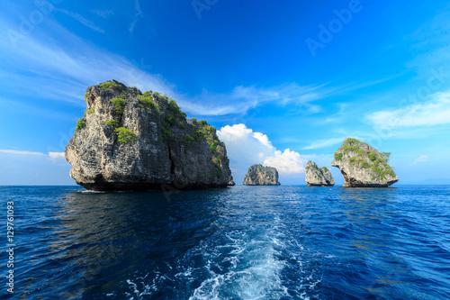 Fototapeta Rok island,Thailand seascape Rok island,Lanta island national pa obraz