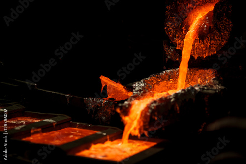 Valokuvatapetti Molten metal at aluminium foundry. Master alloys