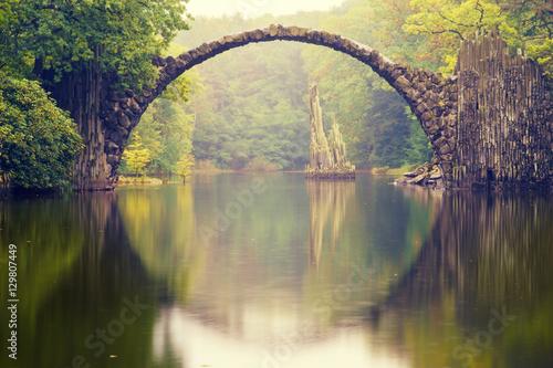 Spoed Fotobehang Bruggen Rakotz bridge in Kromlau