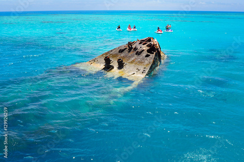 Photo  Shipwreck partially submerged on Bermuda Island