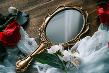 Beautiful A Vintage Mirror Wit...