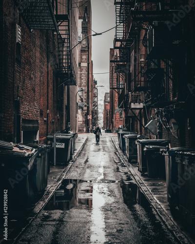 Leinwand Poster Dark alley in Boston, Massachusetts.