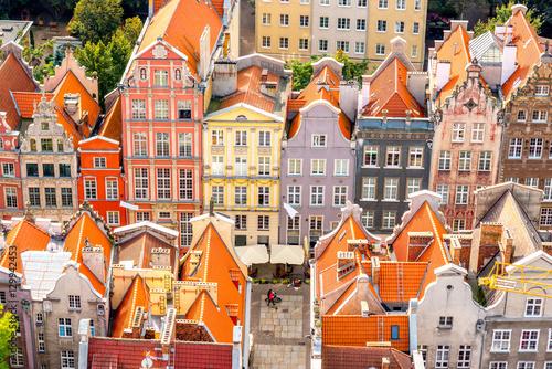 Obraz Pejzaż z pięknymi kolorowymi budynkami w Gdańsku - fototapety do salonu