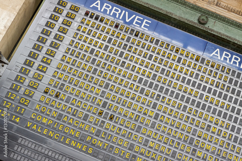 Photo Stands Train Station Arrival board - Gare du Nord, Paris.