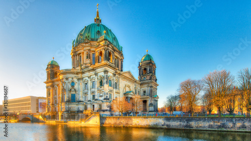 Foto op Canvas Berlijn Berlin Cathedral from the river spree