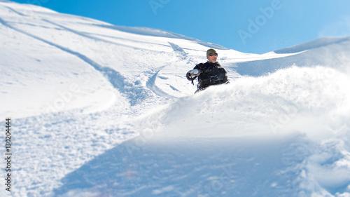 Poster Glisse hiver snowboard en poudreuse