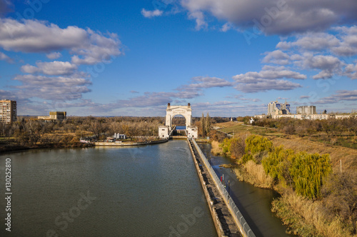 Spoed Foto op Canvas Kanaal Volgograd, Russia - November 5, 2016: View of the Volga-don shipping canal named after V. I. Lenin in Volgograd.