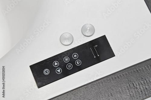 Fotografia, Obraz  baignoire hydromassante pour balnéothérapie à domicile