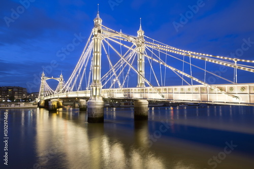 Keuken foto achterwand Bruggen Albert Bridge and River Thames at night, Chelsea, London, England, United Kingdom, Europe