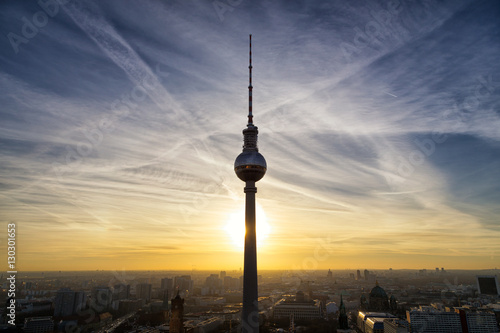 "Fotografie, Obraz  Berlin, Germany - December 2016: TV Tower ""Alex"" with beautiful sunset, panoramic view onto Alexanderplatz"