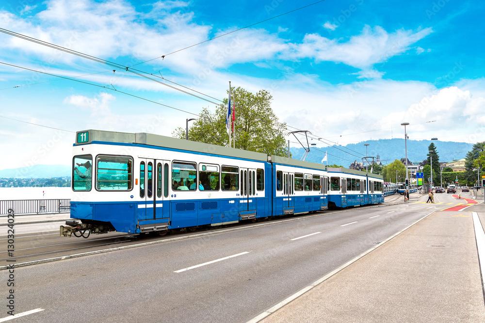 Fototapety, obrazy: City tram in Zurich