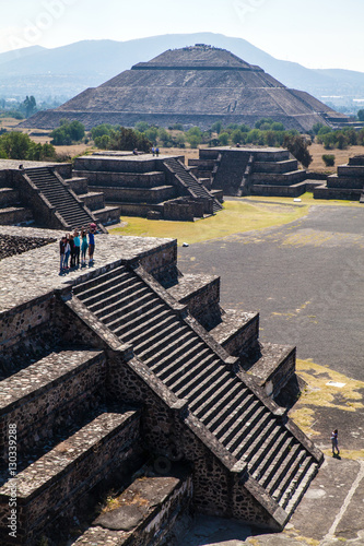 Fotografia  Prehispanic temple in the archeological city of Teotihuacan, Mexico