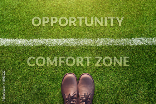 Fotografía  Top view, Male with Leather Shoes with a word : Comfort Zone and Opportunity bet