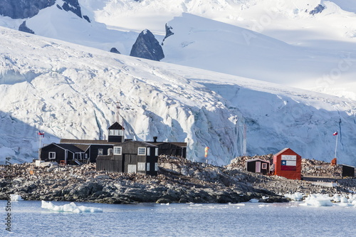 Foto op Canvas Antarctica Chilean Base Presidente Gabriel Gonzales Videla in the Errera Channel on the western side of the Antarctic Peninsula, Antarctica, Southern Ocean, Polar Regions