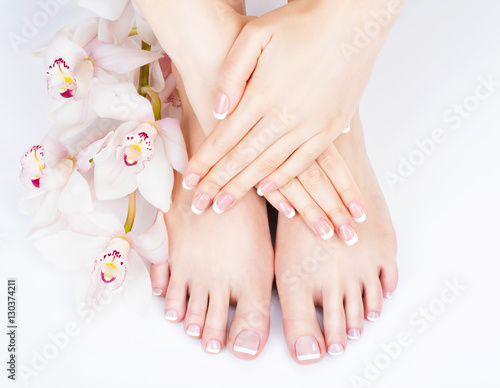 In de dag Pedicure female feet at spa salon on pedicure and manicure procedure