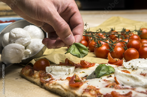 Foto op Canvas Pizzeria Dettaglio ingredienti pizza.