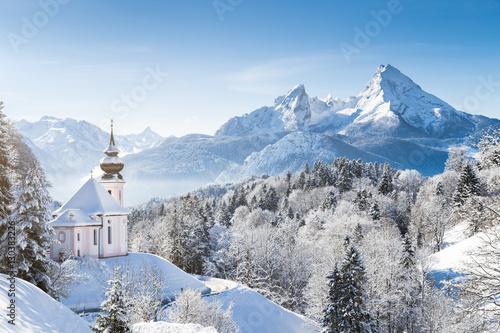 kosciol-maria-gern-z-watzmann-w-zimie-berchtesgadener-land-bawaria-niemcy