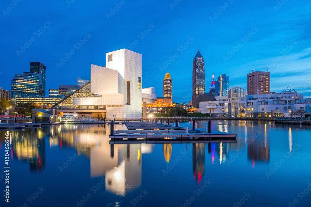 Fototapety, obrazy: Downtown Cleveland skyline from the lakefront