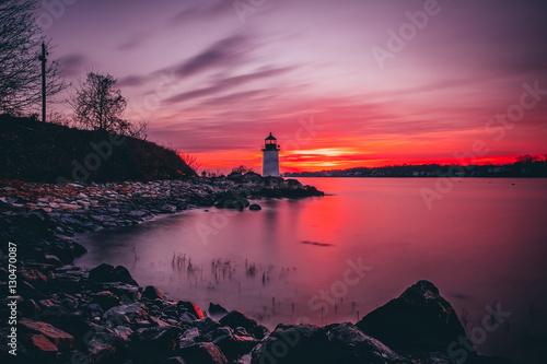 Valokuva  Fort Pickering (Winter Island) Lighthouse at sunrise Located in Salem, Massachus
