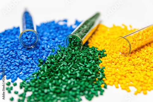 Fotografía  Polymeric dye. Colorant for plastics. Pigment in the granules.