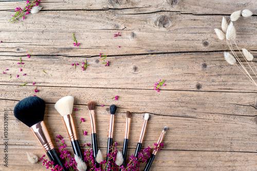 kosmetyki-naturalne-kosmetyki-naturalne-szczotki