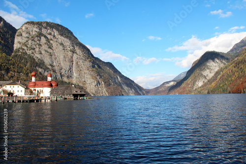 Papiers peints Scandinavie Mountain Lake / Lake Koenigsee (Bavaria, Germany)