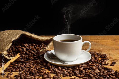 Keuken foto achterwand Koffiebonen Taza de café con humo