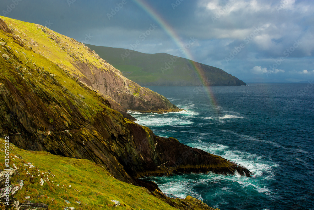 Regenbogen an der Küste von Slea Head in Irland Foto, Poster ...