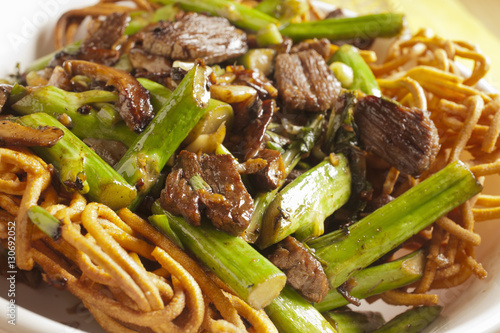 Photo  Hong Kong Style Beef Chow Mein