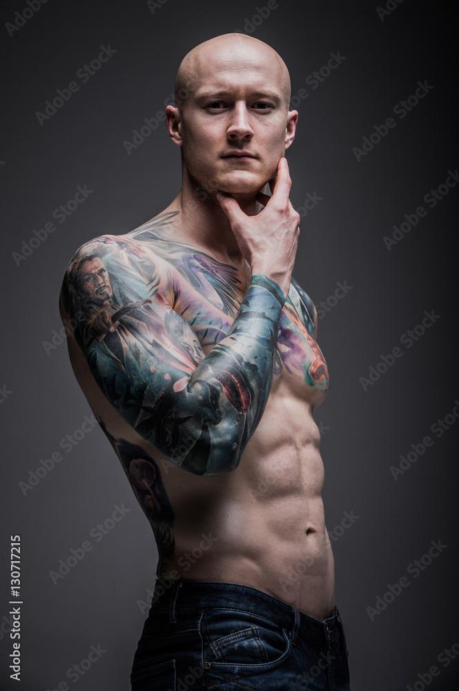 Fototapeta mężczyzna z tatuażem