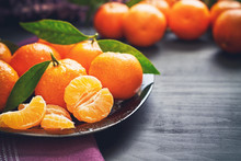 Fresh Clementines With Leaves ...