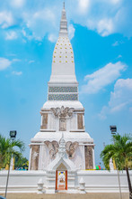 Temple Phra That Tha Uthen With Beautiful Sky,Thailand.