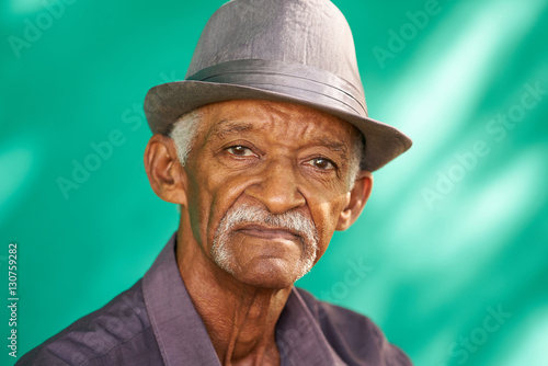 Photo People Portrait Serious Elderly African American Man With Hat