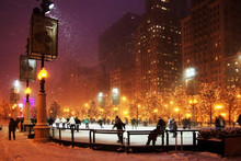 Winter Night In Chicago. Peopl...
