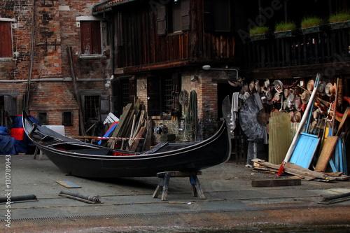 Spoed Foto op Canvas Gondolas atelier de Gondole