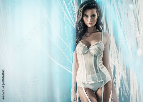 Foto auf AluDibond Artist KB Beautiful brunette lady wearing fabulous underwear