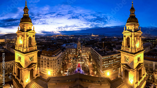 Spoed Foto op Canvas Boedapest Budapest Saint Stephan Basilica panorama after sunset