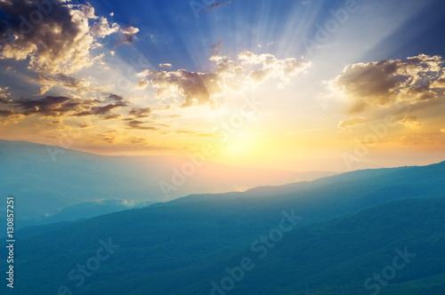 Valokuva  foggy mountains