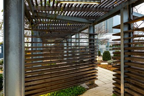 Dachterrasse Mit Holzkonstruktion Als Sonnenschutz Buy This Stock