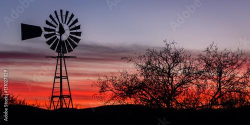 "Cuadros en Lienzo ""Arizona Twilight"" Traveling to Tombstone, Arizona on a cool December morning"