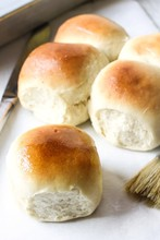 Homemade Dinner Rolls, Selecti...