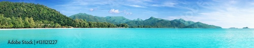 Poster Turquoise Beautiful tropical Thailand island panoramic with beach, white sea and coconut palms for holiday vacation background concept