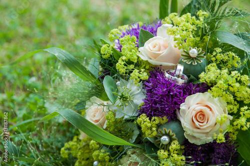 Hochzeit Strauss Blumen Bunt Buy This Stock Photo And Explore